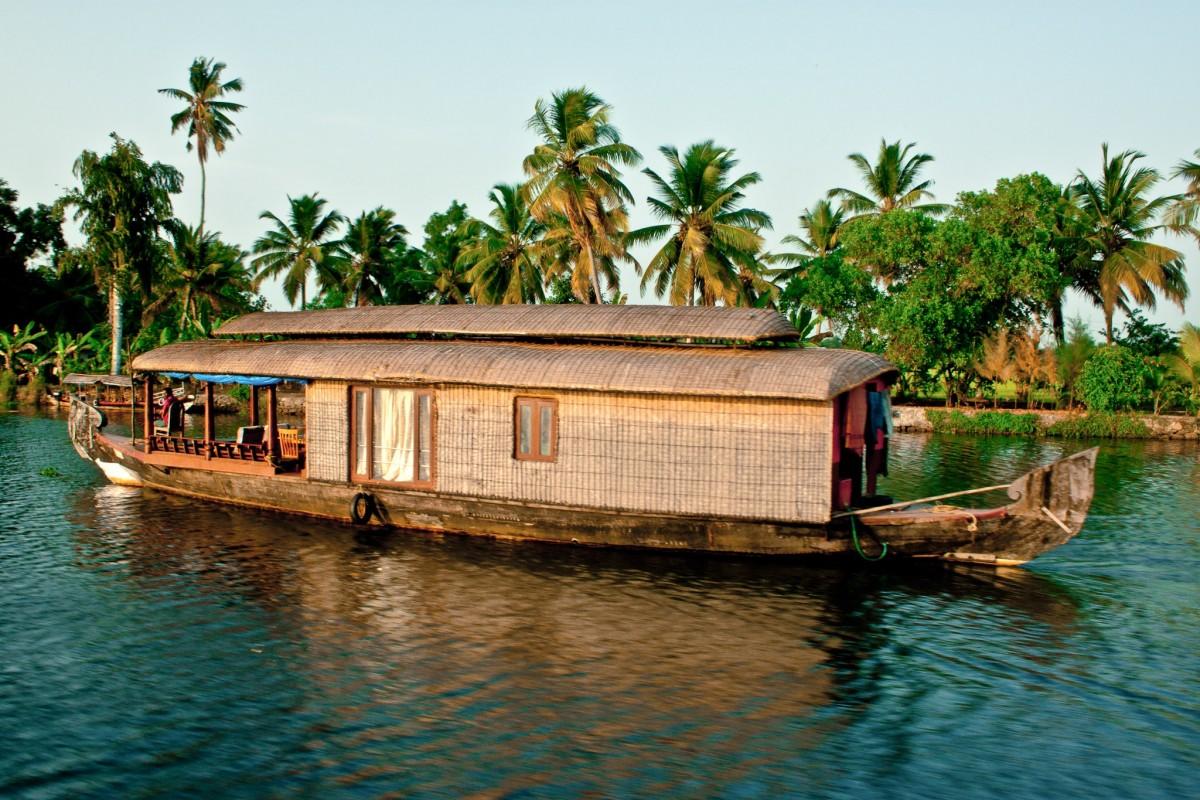 Felfedező úton Dél-India tájain + pihenés Maldív-szigetek / Arena Beach Hotel***